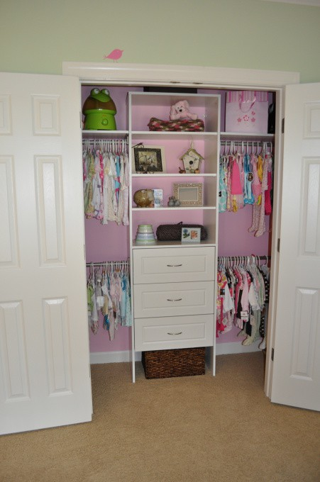 Baby s first closet plans the lil house that could for Fabrica de closet