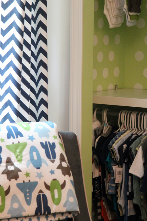 Nursery closet system : Nursery closet reveal  the lil house that could